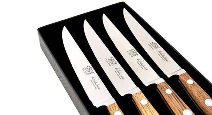 Güde Alpha Fasseiche Steakmesserset 4-teilig Fokus auf den Klingen